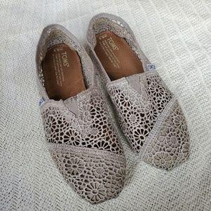 TOMS Lace Crochet Silver / Grey Alpargata Flats